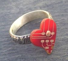 red heart ring by thebluekraken