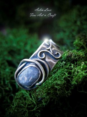 Agate triskele ring by Gwillieth