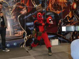 Hey! Another Deadpool.. with zombie head Deadpool! by nx20