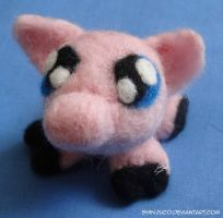 Needle felted piggy by shinjuco