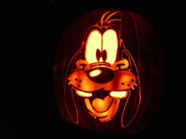 Goofy on a pumpkin by kenklinker
