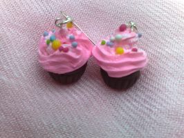 sprinkles cupcake earrings by PinkCakes