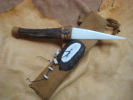 Elk antler knife + leather by lupagreenwolf