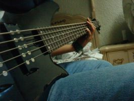 Me and my bass by Lhastor