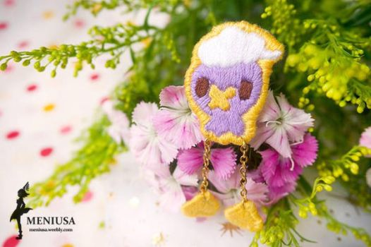 Drifloon Embroidery Brooch Pin by meniusalau