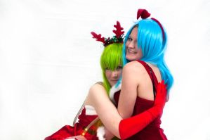 Hold me Bulma by Cairdiuil