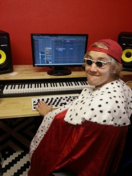 Best music producer in the world by Mairoutv