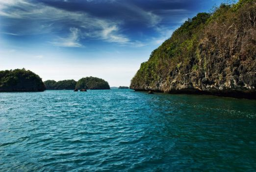 Hundred Islands, Philippines by rgg0012