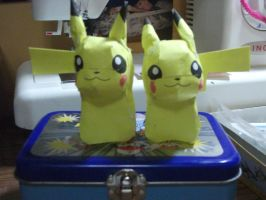 Pikachu Papercrafts by XoxPikachuxoX