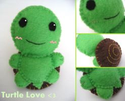 Turtle Love Plushie by Mechashinobi-X