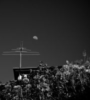Antenna and moon by parablev