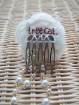 tree cat. embroidery by jely-claris-anne