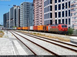 CP 4721+CP 1435 69360 Lx-Or 24-07-13 by Comboio-Bolt