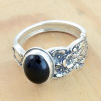 Spoon Ring w Black Onyx by metalsmitten