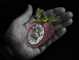 Purfect Stawberry alarm clock by richair