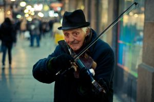 Musician earning money in Belgrade by NarozPower