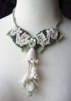 Crochet Art Nouveau Necklace 2 by meekssandygirl