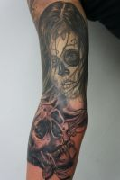 skull tattoo by graynd