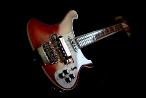 Rickenbacker Fireglo Bass by cycoze