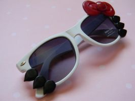 Hello Kitty Sunglasses0White Frame by ThePetiteShop