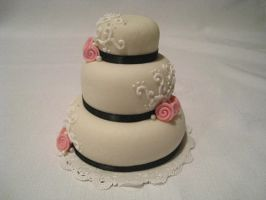 Mini White Cake by Kiilani