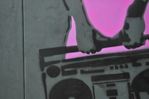 Pink Stereo by mobbe-pingvin