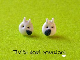 white Totoro stud earrings by tivibi