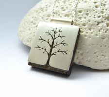 Tree pendant by Kreagora