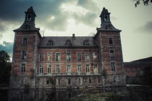 Chateau H 01 by Bestarns