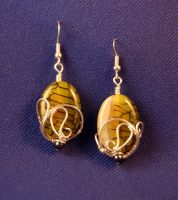 Custom made agate earrings by EatThatCookie