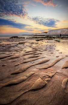 Sand Waves by wreck-photography