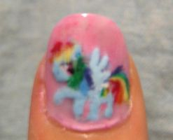 Rainbow dash nail art by Nippip