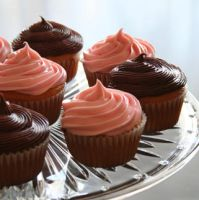 cupcakes by donuts-box