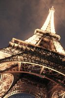 Eiffel Tower by DallasHarder