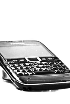 Nokia E71 by Ice-Blue-09