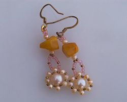 Earrings with amber and peach pearls E104 by Fleur-de-Irk
