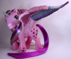 Twilight the unipeg pony by Woosie
