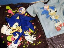 Sonic The Hedgehog Clothes Collection review by DarkGamer2011