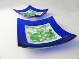 Cetltic Knot Beasties Fused Glass Trophy Plates by trilobiteglassworks