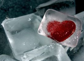 frozen heart by freako85