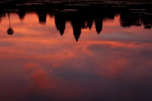 reflecting angkor by SantiBilly