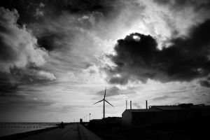 Lowestoft: coast+turbine by Coigach