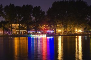 lake houhai at night by donnosch