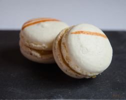 Macarons a la peche 1/2 by ClaraLG