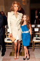 Tyra Banks compare by lowerrider