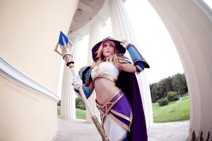 Jaina Proudmoore - Walking in Old Dalaran by Narga-Lifestream