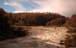 Cataract Gorge by ThEReAlWaZzAr