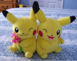 Pikachu Couple Plush by Fishlover