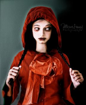 Little Red Riding Hood by MeRVe-S