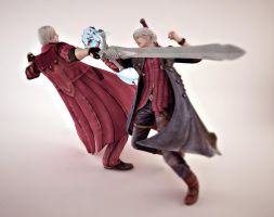 Devil May Cry : Dante Vs Nero by TiagoTavares
